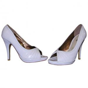 CA - Peeptoe Pumps in Lack weiss