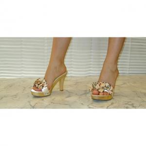DA - Elegante Sandalette aus Holz