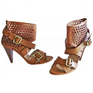 AA - Sandals Braun im cutout Design
